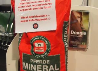 Salvanas nye Hestemineral Vital tilpasset danske forhold og med en højere andel af organiske mineraler. Hest og Rytter messen.