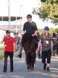 VM for Islandske heste. En hyggestund torsdag aften. Passer hest og rytter sammen ? Foto. hestezonen.dk